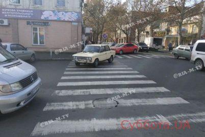 v-zaporozhskoj-oblasti-mestnye-zhiteli-vozmushheny-vyhodkoj-voditelya-legkovushki-foto.jpg