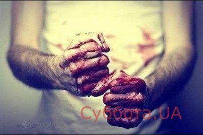 v-zaporozhskoj-oblasti-muzhchina-golymi-rukami-zhestoko-ubil-svoego-odnoselchanina.jpg