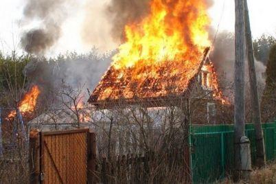 v-zaporozhskoj-oblasti-muzhchina-posle-ssory-podzhog-pensioneru-dachu.jpg