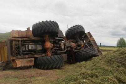 v-zaporozhskoj-oblasti-muzhchinu-pridavilo-traktorom.jpg
