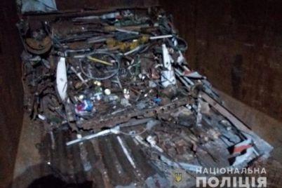 v-zaporozhskoj-oblasti-na-letnem-kurorte-zimoj-vyveli-na-chistuyu-vodu-metallistov.jpg