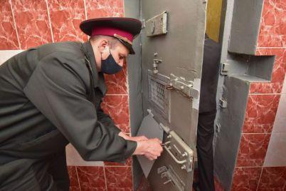 v-zaporozhskoj-oblasti-nebednye-arestanty-prinosyat-dohod-foto.jpg