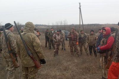v-zaporozhskoj-oblasti-ohotniki-otstrelivayut-dikih-zhivotnyh-foto.jpg