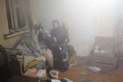v-zaporozhskoj-oblasti-pensionerka-otkazalas-vyhodit-iz-goryashhej-komnaty.jpg