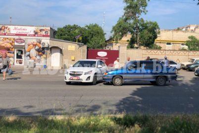 v-zaporozhskoj-oblasti-popal-v-avariyu-avtomobil-iz-svadebnogo-kortezha-foto.jpg