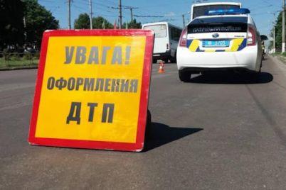v-zaporozhskoj-oblasti-popala-v-dtp-marshrutka.jpg