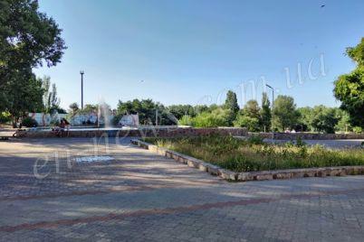 v-zaporozhskoj-oblasti-posle-padeniya-v-fontan-travmirovalsya-rebenok.jpg
