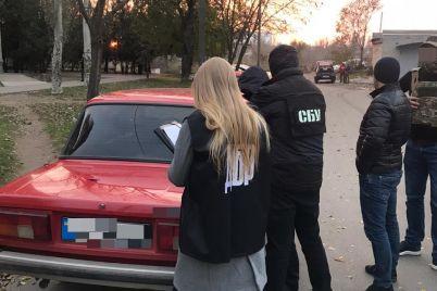 v-zaporozhskoj-oblasti-pri-poluchenii-16-tys-grn-vzyatki-zaderzhali-starshego-lejtenanta-policzii-foto.jpg