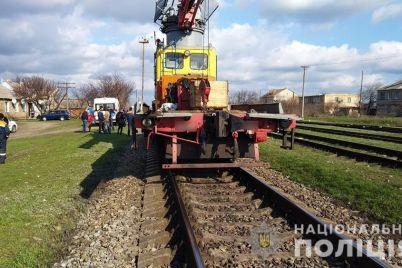 v-zaporozhskoj-oblasti-proizoshla-smertelnaya-avariya-na-zheleznodorozhnoj-kolei-podrobnosti-foto.jpg