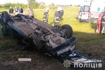 v-zaporozhskoj-oblasti-proizoshla-tragediya-na-zheleznodorozhnom-pereezde.jpg