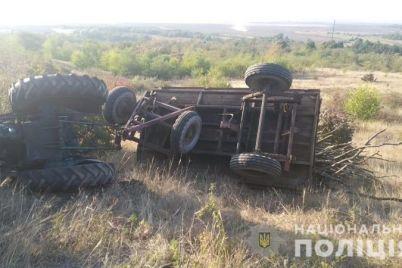 v-zaporozhskoj-oblasti-proizoshlo-dtp-s-traktorom-pogib-voditel.jpg