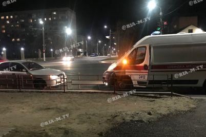 v-zaporozhskoj-oblasti-pyanyj-peshehod-brosilsya-pod-avtomobil-foto.jpg