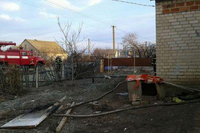 v-zaporozhskoj-oblasti-sosedi-spasli-zhenshhinu-s-invalidnostyu-iz-goryashhego-doma.jpg