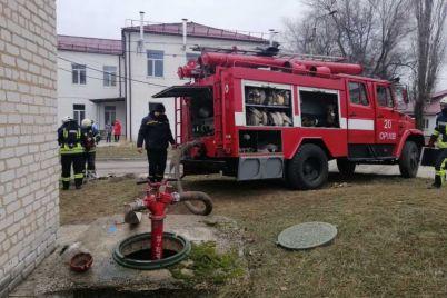 v-zaporozhskoj-oblasti-spasateli-tushili-pozhar-v-rajonnoj-bolnicze.jpg