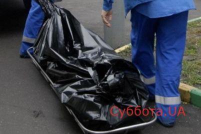 v-zaporozhskoj-oblasti-u-poduezda-nashli-chelovecheskij-trup.jpg