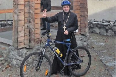 v-zaporozhskoj-oblasti-u-svyashhennika-ugnali-velosiped.jpg