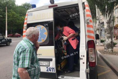 v-zaporozhskoj-oblasti-uchitel-s-20-letnim-stazhem-zhil-na-ulicze-ego-uvezli-na-skoroj-foto.jpg