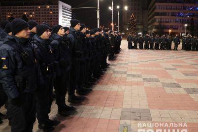v-zaporozhskoj-oblasti-v-novogodnyuyu-noch-budut-dezhurit-sotni-pravoohranitelej-a-takzhe-kinologi-i-vzryvotehniki-foto.jpg