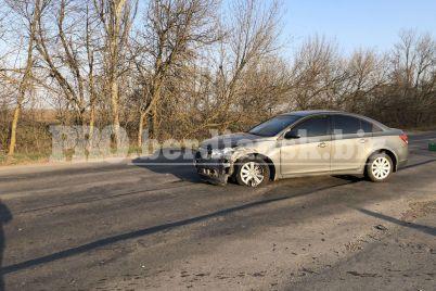 v-zaporozhskoj-oblasti-voditel-avto-snes-aeroport-foto-video.jpg