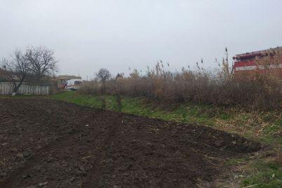 v-zaporozhskoj-oblasti-voditel-poteryal-upravlenie-i-suehal-v-kyuvet.jpg