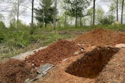 v-zaporozhskoj-oblasti-vykopali-sotni-novyh-mogil-dlya-zhertv-epidemii-smi-foto.jpg
