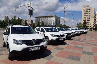 v-zaporozhskoj-oblasti-za-schet-subvenczii-gromadam-peredadut-17-sluzhebnyh-avtomobilej-dlya-medikov-kotorye-torzhestvenno-vruchali-eshhe-dva-mesyacza-nazad.jpg