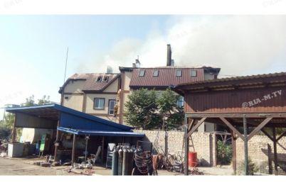 v-zaporozhskoj-oblasti-zagorelas-elitnaya-sauna-s-gostiniczej-video.jpg