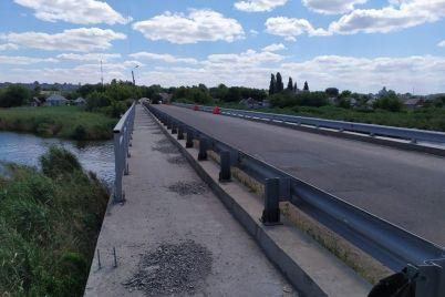 v-zaporozhskoj-oblasti-zakanchivayut-avarijnyj-remont-mosta-foto.jpg