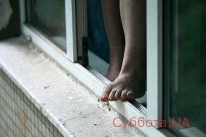 v-zaporozhskoj-oblasti-zhenshhina-upala-s-vysoty-shestogo-etazha.jpg