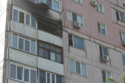 v-zaporozhskoj-oblasti-zhenshhina-vyprygnula-iz-okna-pyatietazhki.jpg