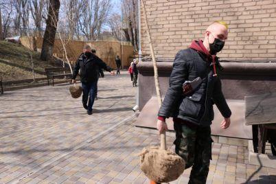 v-zaporozhskoj-shkole-internate-poyavilas-novaya-alleya-klenov-foto.jpg