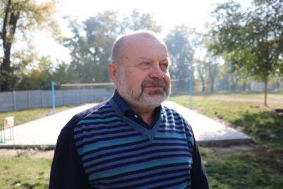 v-zaporozhskoj-shkole-stalo-eshhe-bolshe-sportploshhadok.jpg