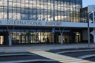 v-zaporozhskom-aeroportu-otkryli-punkt-sdachi-pczr-testov.jpg