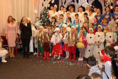 v-zaporozhskom-internate-otmetili-vse-zimnie-prazdniki-srazu-foto.jpg