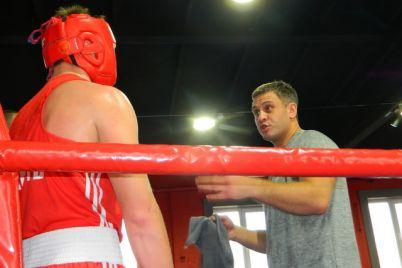 v-zaporozhskom-klube-hort-sostoyalsya-chempionat-oblasti-po-boksu-foto.jpg