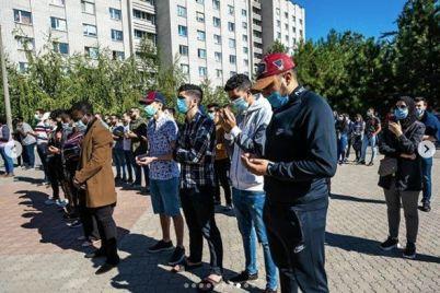 v-zaporozhskom-mediczinskom-universitete-sostoyalas-panihida-po-pogibshim-v-dtp-studentam-iz-marokko.jpg