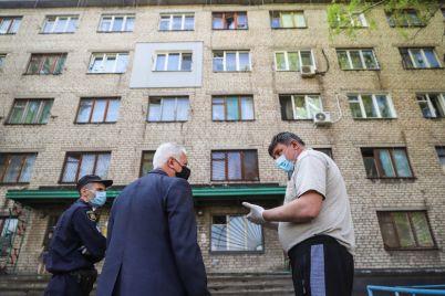 v-zaporozhskom-obshhezhitii-gde-vyyavili-sluchaj-zarazheniya-koronavirusom-protestirovali-8-detej.jpg