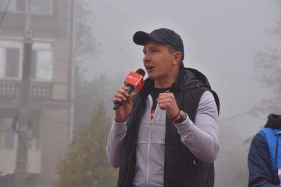 v-zaporozhskom-polumarafone-prinyali-uchastie-korporativnye-komandy-so-vsej-ukrainy.jpg