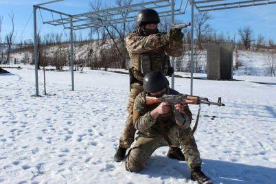 v-zaporozhskoy-oblasti-voennoobyazannyih-budut-massovo-prizyivat-na-sboryi.jpg