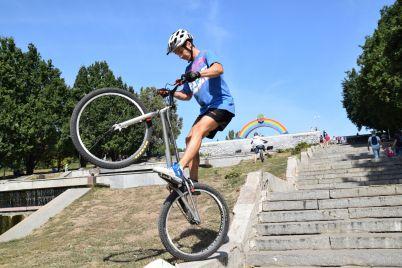 velosipedisti-z-usid194d197-krad197ni-borolisya-za-zaporizkij-stalevij-kubok.jpg
