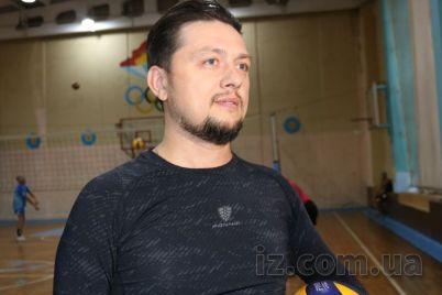 veterani-zaporizkogo-volejbolu-u-czikavomu-formati-podililisya-dosvidom-z-moloddyu.jpg