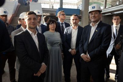 vladimir-zelenskij-pohvalil-vladimira-buryaka-za-aeroport.jpg