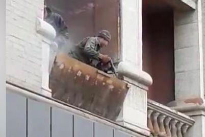 vlasniki-kvartiri-u-budinku-pamyatczi-v-czentri-zaporizhzhya-zrujnuvali-balkon.jpg