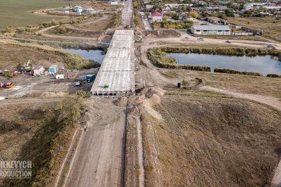 vo-chto-prevratilsya-most-v-zaporozhskoj-oblasti-kotoryj-vedet-k-samomu-bolshomu-selu-ukrainy.jpg