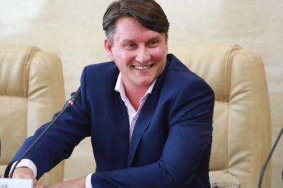 vo-vremya-vizita-zelenskogo-predstavili-kandidata-v-mery-zaporozhya.jpg