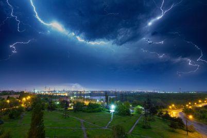 vona-povertad194tsya-zaporizhczyam-prognozuyut-negodu-z-doshhami-ta-grozami.jpg