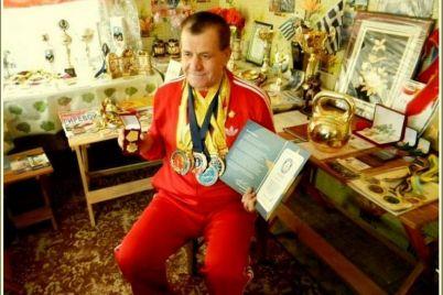 vot-eto-da-zaporozhskij-girevik-v-32-j-raz-stal-chempionom-mira-1.jpg