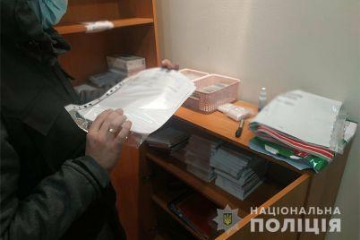 vrachej-zaporozhskoj-kliniki-pojmali-na-torgovle-reczeptami-na-narkosoderzhashhie-preparaty.jpg
