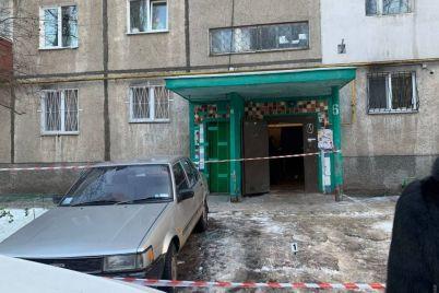 vyshel-iz-doma-s-chelovecheskoj-golovoj-podrobnosti-ubijstva-dvuh-chelovek-v-odesse-foto-video.jpg