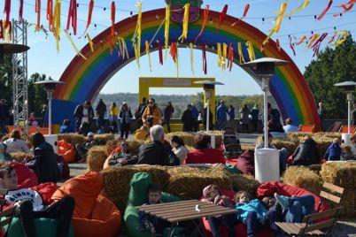 yarmarki-i-festivali-kak-zaporozhe-otmechaet-den-goroda.jpg